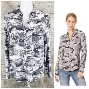 Rock & Republic Gray Camouflaged Top Size Large